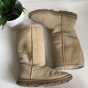 UGG Shoes - Tall Classic UGGS US Size 6